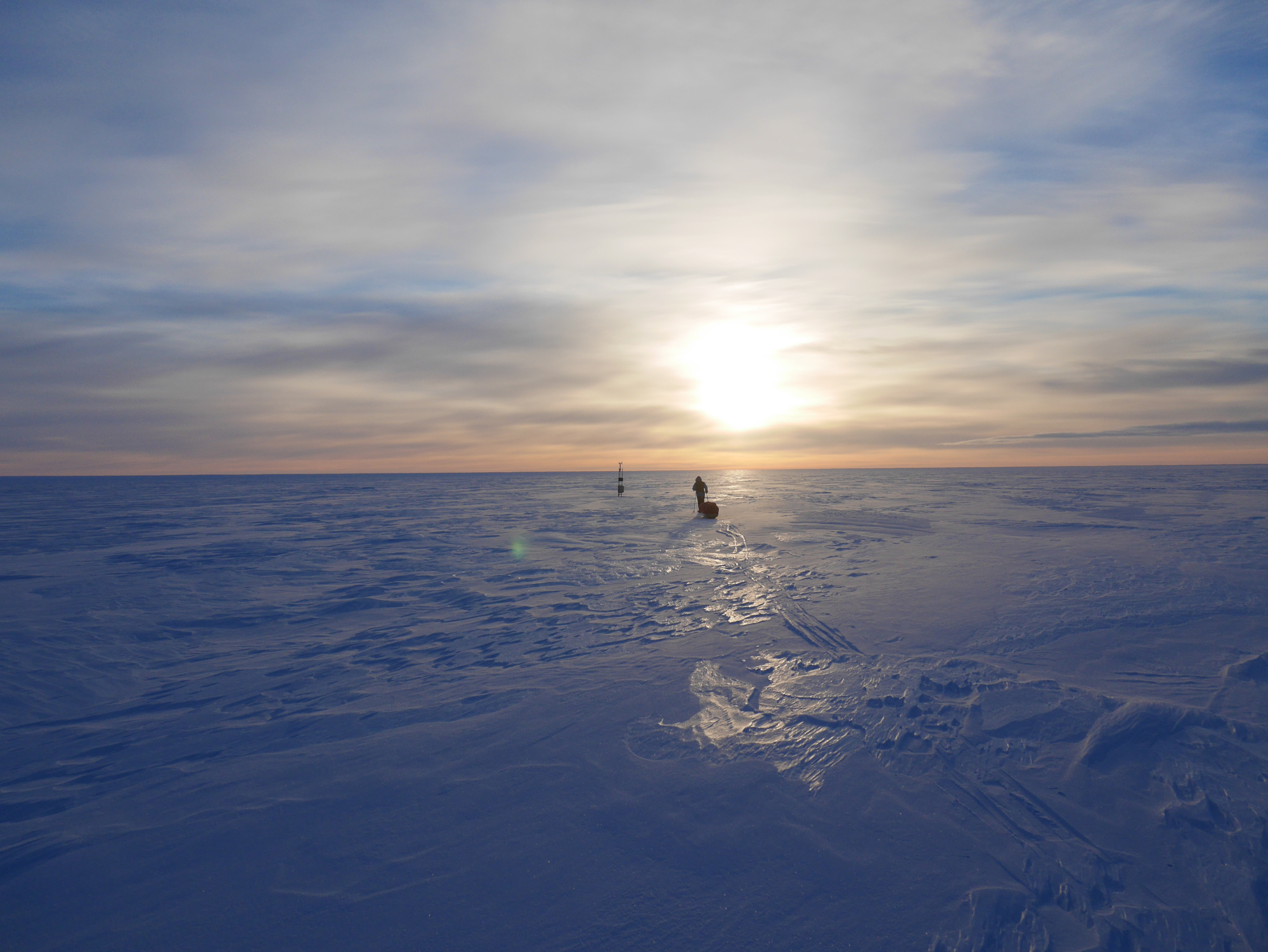 Explorer attempts first unsupported Antarctic crossing