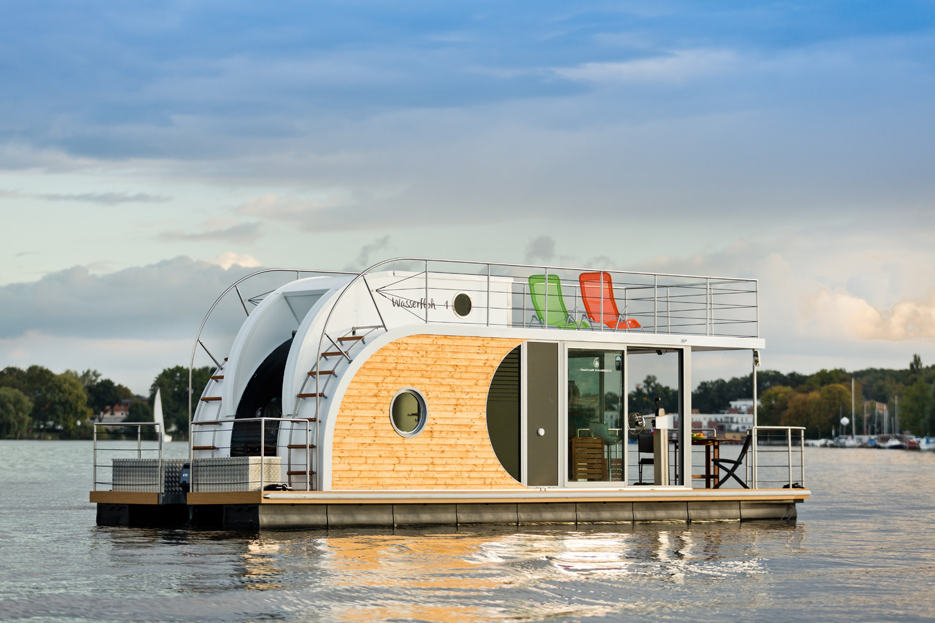 The Nautino Maxi houseboat, offering room for up to six people.