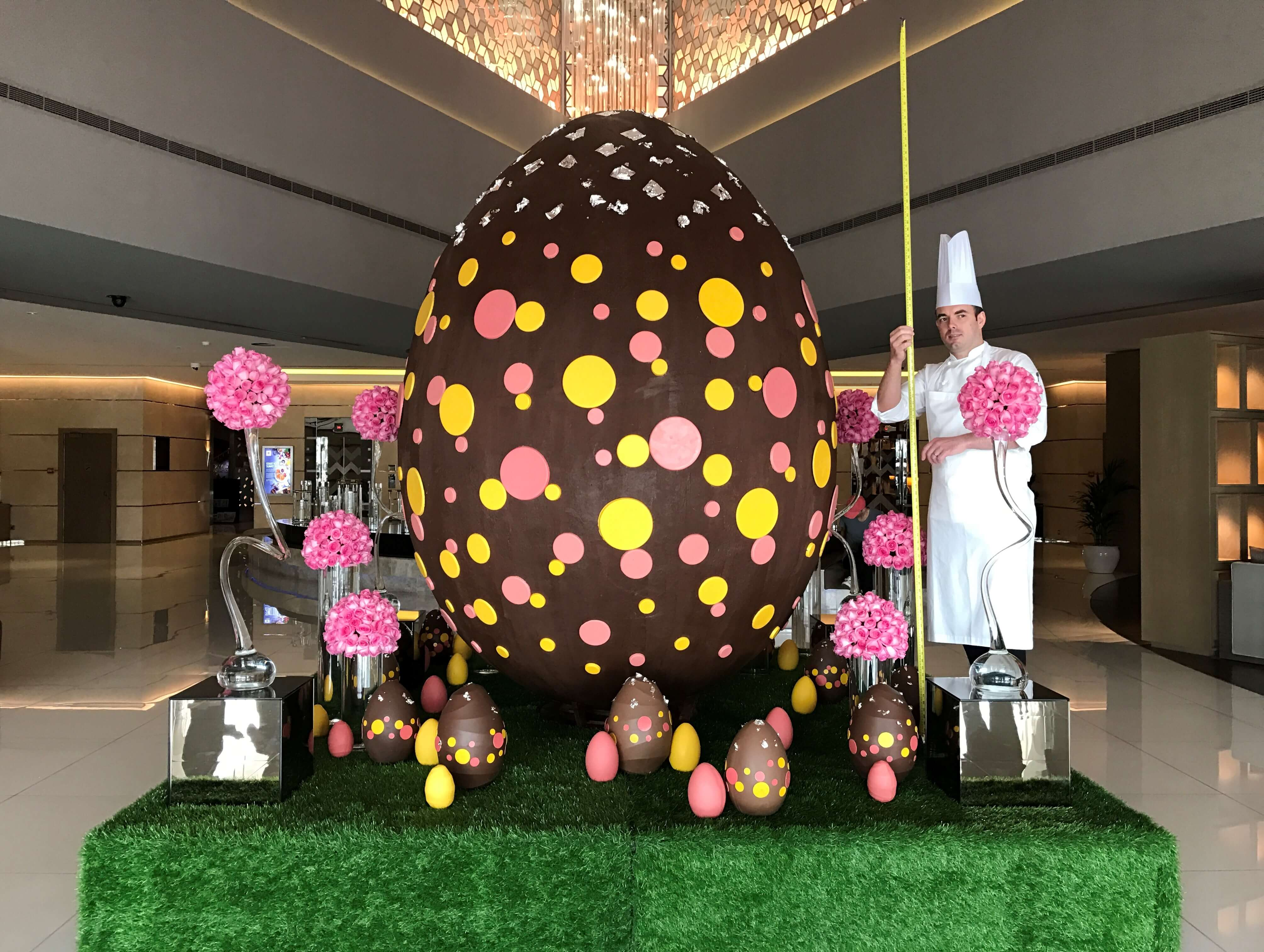 Giant Easter Egg - Fairmont Dubai (1)