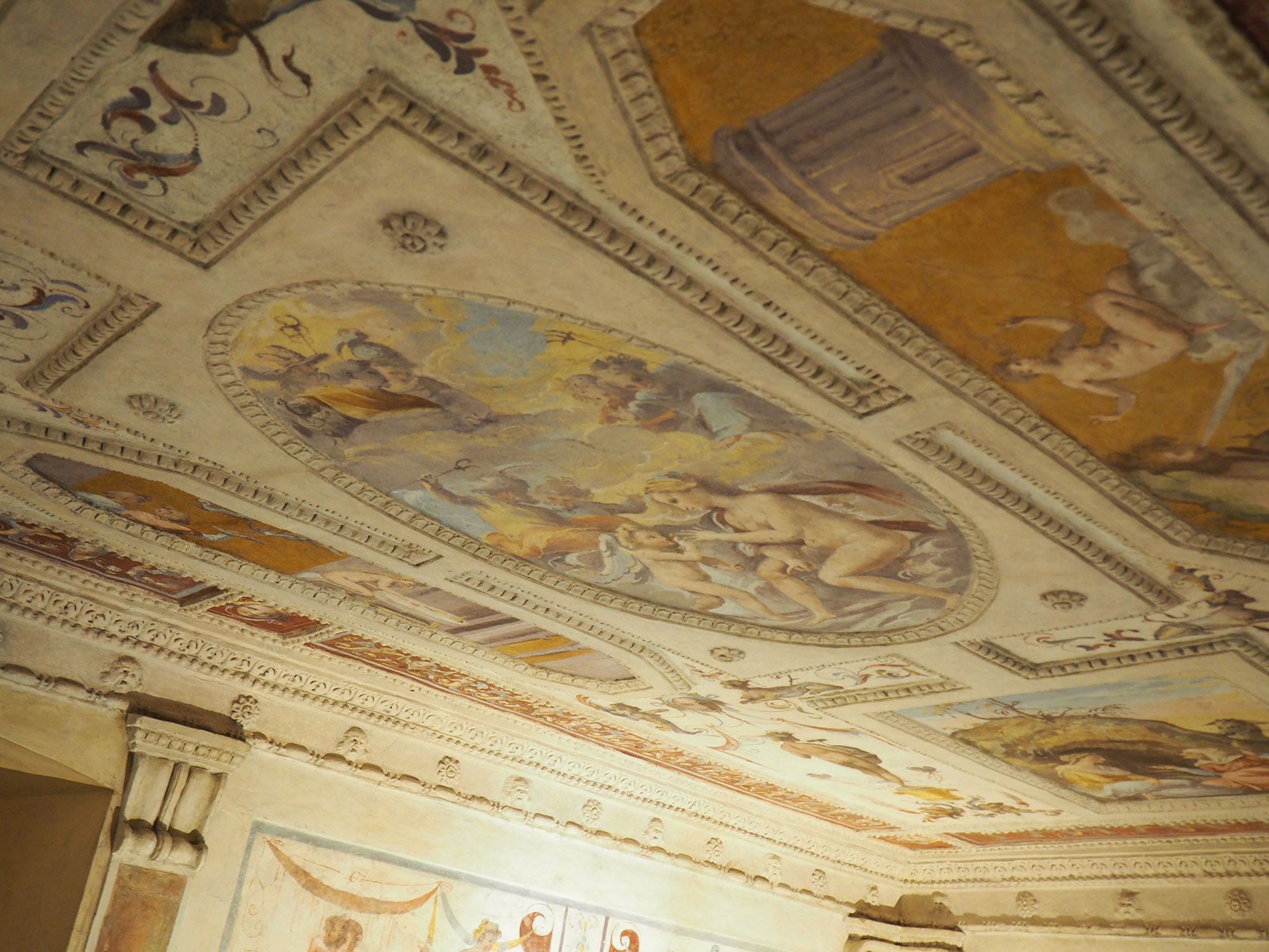 Restored ceiling at the Comodo