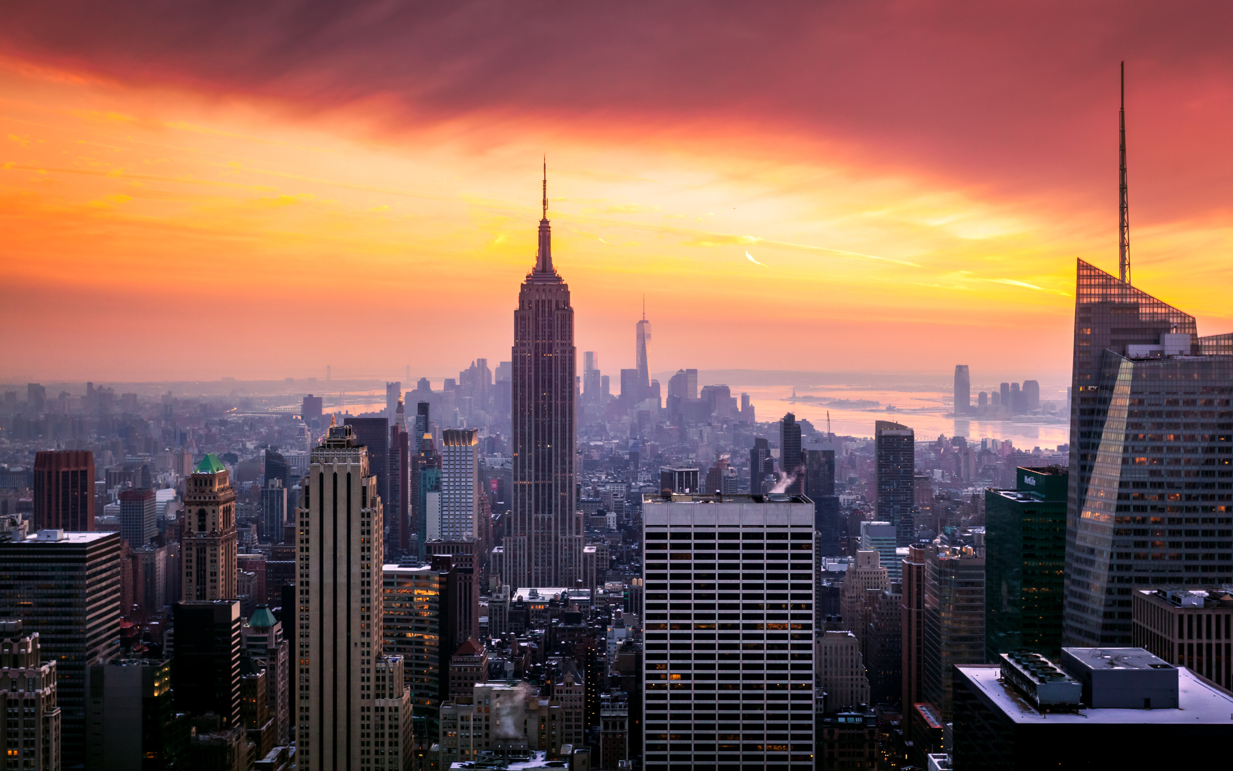 The Empire State Building was the most popular tourist attraction in New York.